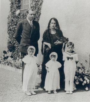 Consuelo, son epouse (1901-1979)